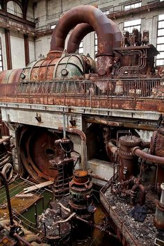 Abandoned Buildings, Abandoned Places, Steampunk, Abandoned Factory, Sci Fi Models, Industrial Architecture, Old Factory, Industrial Photography, Interesting Buildings
