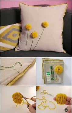 Comment faire un pompon – guide et applications exceptionnelles Sewing Pillows, Diy Pillows, Decorative Pillows, Cushions, Cushion Cover Designs, Pillow Cover Design, Pillow Crafts, Pillow Embroidery, Diy Pillow Covers