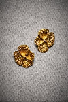 Gold pansy earrings!