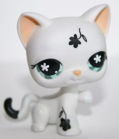 Littlest Pet Shop LPS #547 White Cat with Black Flowers Teal Eyes #Hasbro