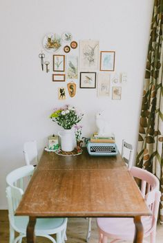 16x vintage typemachines in huis - Roomed | roomed.nl