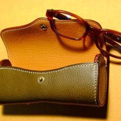 【セミオーダー】手縫い ハード眼鏡ケース オリーブ