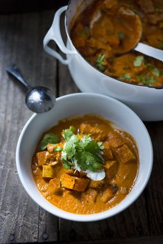 A delicious recipe for Roasted Butternut Tikka Masala with chicken (or chickpeas). A lightened up version, but not lacking in flavor!