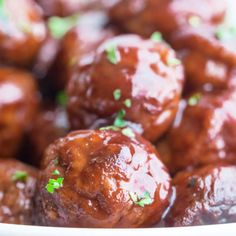 Sweet and hearty grape jelly meatballs make for a classic appetizer or main course! Full-bodied and spicy, these fellas are sure to please the crowd. Christmas Dinner For A Crowd, Cooking Whole Chicken, Cooking Ham, Cooking Tips, Ham Balls, Quick Appetizers, Appetizer Dips, Appetizer Recipes, Snack Recipes