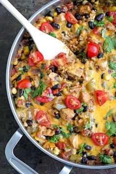 This Mexican Chicken And Rice Skillet Casserole Comes Together In Just 30 Minutes, Featuring Lots Of Fresh Veggies, Lean Chicken, And Sharp Cheese. Super Healthy Recipes, Healthy Foods To Eat, Savory Foods, Healthy Cooking, Healthy Eating, Healthy Chicken Recipes, Mexican Food Recipes, Rice Recipes, Asian Recipes
