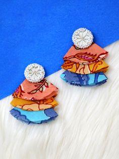 Tricolor Wheel Earrings – Krafted with Happiness Diy Fabric Jewellery, Fabric Earrings, Handmade Beaded Jewelry, Beaded Jewelry Patterns, Fabric Beads, Tassel Jewelry, Handmade Jewelry Designs, Textile Jewelry, Diy Earrings