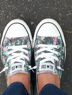 Floral Converse, Nothing I would love more then to wear these beauties