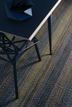 Knitting pattern baby hat dentelle couverture /& dentelle cardigans king cole dk 4795