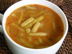 Így készíts varázslatos zöldbablevest – amit még a gyerek is szeretni fog! Healthy Soup Recipes, Top Recipes, Cooking Recipes, Healthy Meals, Romanian Food, Hungarian Recipes, Slow Cooker Soup, Soup And Sandwich, Recipes From Heaven