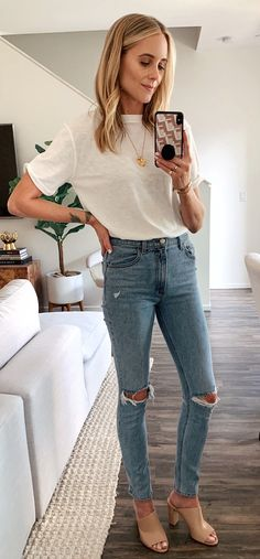 white crew-neck t-shirt and distressed blue denim fitted jeans - LastStepPin Blue Ripped Jeans, Distressed Skinny Jeans, Jeans Fit, Crop Top Outfits, Summer Outfits, Summer Fashions, Camo Denim Jacket, Denim Jackets, Orange T Shirts