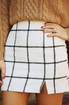 Cute fall minimalist black and white plaid skirt.