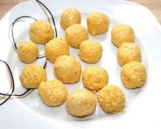 Sajtgombóc leves | Alajuli receptje - Cookpad receptek Soup Recipes, Snack Recipes, Snacks, Pretzel Bites, Cornbread, Cereal, Chips, Cooking, Breakfast