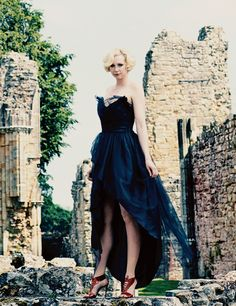 Gwendoline Christie is an English actress and model known for portraying Brienne of Tarth in Game of Thrones, The Zero Theorem, The Hunger Games, Star Wars. English Actresses, Actors & Actresses, Sophie Turner, Gwendolyn Christie, Madonna, Brienne Of Tarth, Game Of Thrones Cast, Strapless Dress Formal, Formal Dresses
