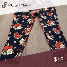 Ladies ankle pants Navy blue floral ankle length twill pants Old Navy Pants Ankle & Cropped