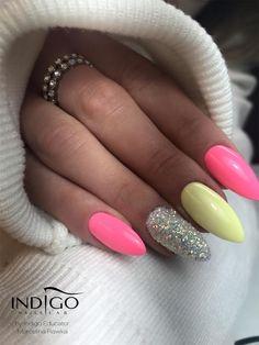 Miami Collection 2017 by Natalia Siwiec Los Flamingos Chiquita Banana by Indigo Educator Marcelina Rawka, Kielce #nails #nail #pink #yellow #silver #indigo #indigonails #miami #nataliasiwiec #neon #summernails #springnails