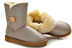 Uggs Outlet http://www.uggs-outlet-us.org/ugg-boots-5803-bailey-button/