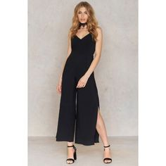 The Detailed Back Jumpsuit by NA-KD Party features a v-neckline, fully lined, zip at the side, a cut out detail at back and wide legs with side splits. Fashion Clothes Online, Online Shopping Clothes, Side Split, Black Jumpsuit, Playsuits, Body Measurements, Jean Outfits, Wide Leg, Neckline