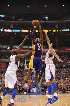 Bryant launches one over Odom and Barnes (April 7, 2013 | Los Angeles Lakers @ Los Angeles Clippers | Staples Center in Los Angeles, California)