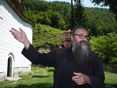"Монах Антоније: O монтираном извештавању ""Srpskog Telegrafa""  под насловом: ""Проклетство Грачанице"" - http://www.vaseljenska.com/wp-content/uploads/2015/07/11707543_10206074307290956_7498313626806566506_n.jpg  - http://www.vaseljenska.com/vesti/monah-antonije-o-montiranom-izvestavanju-srpskog-telegrafa-pod-naslovom-prokletstvo-gracanice/"