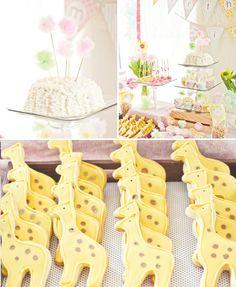 dreamy-safari-princess-birthday-cake-giraffe-cookies