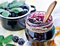 Blackberry-Freezer-Jam -Just the pic cuz I love it! Blackberry Preserves Recipes, Blackberry Freezer Jam, Raspberry Recipes, Freezer Jam Recipes, Canning Recipes, Gourmet Recipes, Healthy Eating Tips, Healthy Snacks, Healthy Recipes
