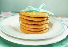 Diese Karamell Kekse ohne Ei sind einfach köstlich und schmecken nach Kindheit. Die müsst ihr probieren! Ich mag diese am Liebsten mit etwas Salz