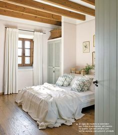 Wooden beams and simple and cozy décor. #interior #design #decor #simple #white #wood #casadevalentina