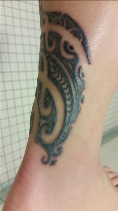 This is my first tattoo and I've read a ton of stuff on the healing process and everything. Old Tattoos, Tribal Tattoos, Tattoo Forum, Tattoo Aftercare, First Tattoo