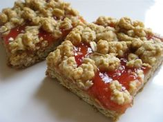 Rhubarb Oatmeal Bars Recipe- Tried this...delicious! Like a soft granola bar with rhubarb jelly and more granola on top! Yum!