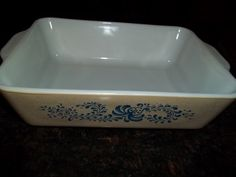 Pyrex Homestead Refridgerator Box 8 x 6 1/2 With by PyrexKitchen, $24.00