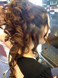 Ανάλαφρο πιάσιμο με μπούκλες /  Loose curls with hitch