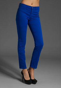 Love the bright blue jeans! Really digging colored pants!