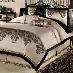 Cozy design touch of class comforter sets bedspreads wall art luxury comforters medium size earth tone contemporary Wood Bedroom, Bedroom Bed, Dream Bedroom, Bedroom Furniture, Master Bedroom, Bedroom Decor, Master Suite, Comforter Sets, Living Room Ideas