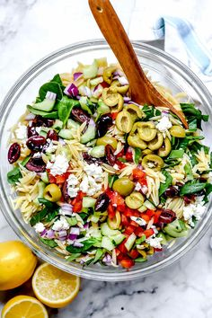This vegetarian Mediterranean orzo pasta salad with crunchy vegetables, spinach, briny olives, and feta makes a healthy, meal-prepped or party pasta salad. Easy Pasta Salad, Pasta Salad Recipes, Healthy Salad Recipes, Vegetarian Recipes, Cooking Recipes, Food Salad, Cooking Tips, Great Salad Recipes, Pasta Bar