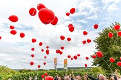Wedding balloons, Photography by L&G images, Location wedding in Germany. Balloons Photography, Family Photography, Wedding Photography, Wedding Balloons, Family Portraits, Portrait Photographers, Our Wedding, Germany, Creative