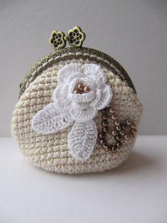 Coin Purse Crochet Wallet Bag crochet Accessories Gift crochet Flower purse White Little Girl purse Change purse Kisslock Metal Frame bag by KrugerShop on Etsy