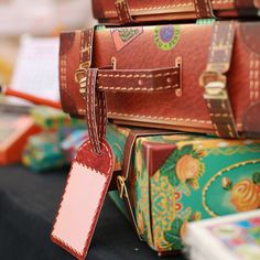At their debut at 'the Lil Flea' exhibition in Mumbai, these Travel Suitcase Gift Boxes were an instant hit! No glue required; just slot them into place in a minute. Perfect for filling with goodies for weddings, festivals and loved ones.   #GorgeousGifts