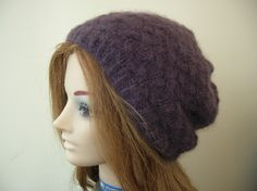 Ravelry: Start something Sunday Slouchy Beret pattern by Lisa Gaskell