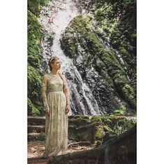 And then there was this forest goddess #hawedding2016 that dress tho #destinationweddingphotographer #destinationwedding #wedding #costarica http://ift.tt/2bVOMs3
