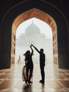 The Taj Mahal: A Sunrise Trip to One of the Seven Wonders of the World Indian Wedding Couple Photography, Wedding Couple Poses Photography, Travel Photography, Travel Route, Seven Wonders, By Train, Travel Photos, Travel Pictures, India Travel