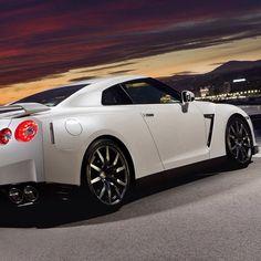 Stunning Nissan GTR