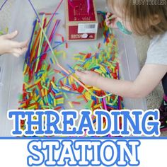 Check out this THREADING STATION! An awesome quiet time toddler activity that's perfect for indoor days. An easy indoor activity for toddlers that also doubles as sensory and fine motor skills play! Indoor Activities For Toddlers, Quiet Time Activities, Activities For 2 Year Olds, Toddler Learning Activities, Motor Activities, Preschool Activities, Senses Preschool, Toddler Games, Learning Time