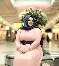 Best Dresses/Outfits Styles for Plus Size Women