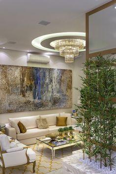 Casa Real: Salas de estar por Designer de Interiores e Paisagista Iara Kílaris, Casa Real, Bedroom Ceiling, Interior Exterior, Luxury Homes, Modern, Living Rooms, Furniture, Houses, Decorations
