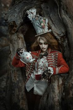 Photographer unknown - Fantasy - Fashion - Photography - Dark - Gothic - Alice In Wonderland - Mad Hatter