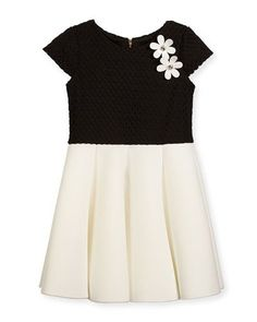 C a black dress 0 3