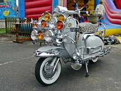 For Adults Kids Scooters Girl Pink Referral: 5193896718 Retro Scooter, Lambretta Scooter, Scooter Motorcycle, Scooter Girl, Vespa Scooters, Bike, Quad, Motor Scooters, Sidecar