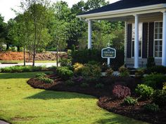 Symmetrical Front Yard Landscape Ideas | ... Front Yard Craftsman Style, small courtyard landscaping ideas, front