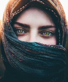 63 New Ideas Photography Portrait Ideas Projects Eyes Gorgeous Eyes, Pretty Eyes, Cool Eyes, Amazing Eyes, Beautiful Hijab, Beautiful Eyes Images, Pretty People, Beautiful People, Steve Mccurry