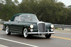Bentley S-1 Continental DHC Graber 1956 Maintenance/restoration of old/vintage vehicles: the material for new cogs/casters/gears/pads could be cast polyamide which I (Cast polyamide) can produce. My contact: tatjana.alic@windowslive.com